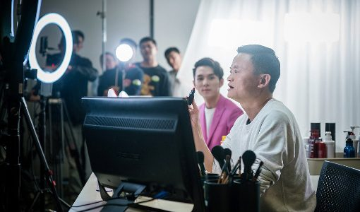 アリババのライブコマース「淘宝直播」が急成長、1年で160億円以上売り上げる配信者も