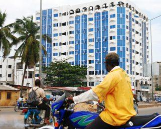 ラゴスの交通はもう救いようがない?アフリカ最大都市で繰り広げるライドシェア業の市場争い
