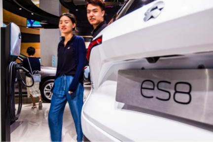 伸び悩む中国新興EVメーカーNIO レンタカーサビースで販売促進を