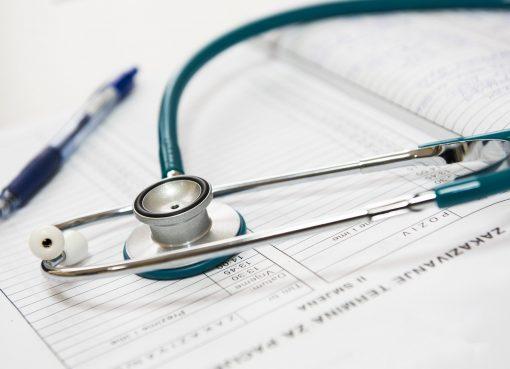 中国、製薬・医療機器業界の高騰したマーケティング費用 デジタル化で一気に削減