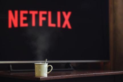 Netflix、社債発行でさらに20億ドルの資金調達 コンテンツ拡充で他社に対抗