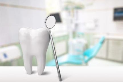 歯科医師が多拠点での運営を支援する「多点雲」、数億円を調達