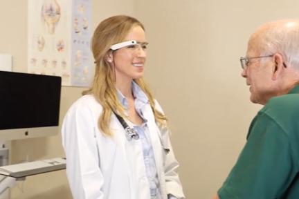 「Google Glass」活用のメディカルサービス「Augmedix」:シリーズBで約20億円を調達