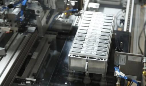 EV用大手電池メーカー「寧徳時代」、BMWへの供給拡大 EV用電池の競争加速