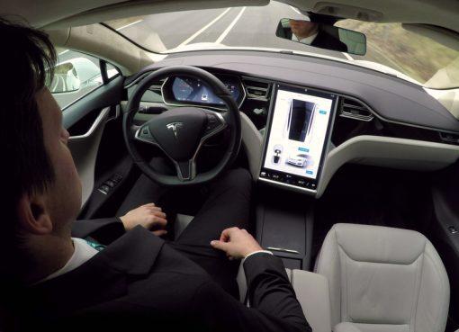 相次ぐネット大手の自動車製造進出 その成功を阻む最大の課題とは