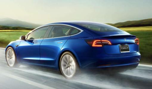 テスラ、米国初の時価総額1000億ドル超の自動車会社へ ただし話題株として依然安定せずか
