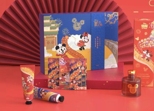 ねずみ年にミッキーが主役! ディズニーは人気ブランドとのコラボ商品が続々
