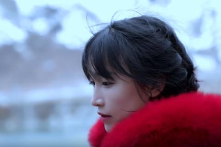 「ニッチ」は諸刃の剣 再生数10億回の古典美人ユーチューバー、中国の田園生活を世界へ発信