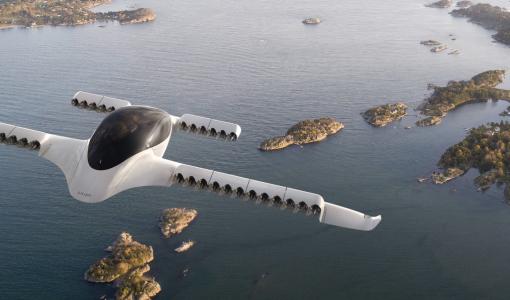 「空飛ぶ車」の量産化でSF映画の未来世界は実現するか