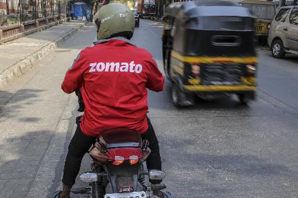 印フードデリバリー「Zomato」、時流に乗りグローサリー配達サービスを開始か