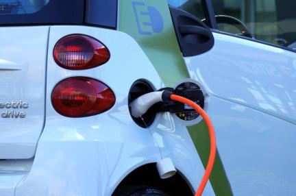 EV用充電サービス運営「ampUp」、上海汽車と現代自動車などから資金調達