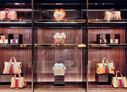 中古ブランド品こそライブコマースに最適 中国では月間売上高15億円を目指すプラットフォームも