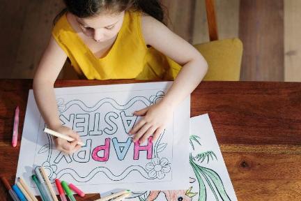 オンラインAI授業で英語と美術を一挙両得 子供向けエドテックの新しいかたち