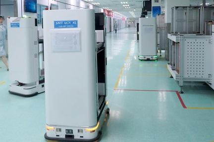 物流倉庫や工場で活躍するAIロボット「スタンダード・ロボット」、シリーズBで約15億円を調達