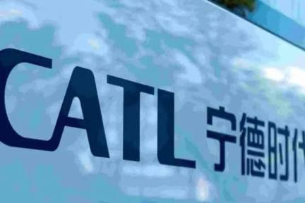 CATL、メルセデス・ベンツとバッテリー技術で提携強化 主要サプライヤーに