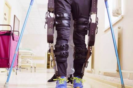 リハビリ支援の外骨格ロボット 需要急増や人材不足に対応、スマート化も推進