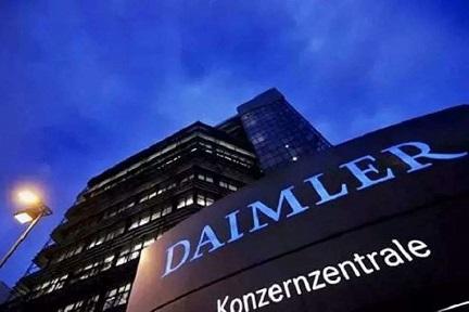ダイムラーと吉利、スマートEVでの提携に続きパワートレインの共同開発へ