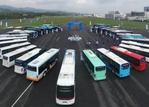 中国の自動運転バスがフランス初進出 パリでの試験走行許可を取得