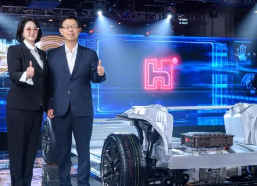 フォックスコンのEVプラットフォーム搭載車両3モデル、年内に発表