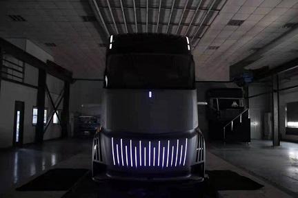 テスラのEVトラック「セミ」に対抗か GeelyがPEVトレーラーを発売