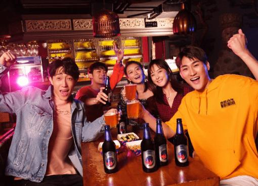 「夜のスターバックス」に向けて一歩前進 Helen's、中国バー業界初の上場企業へ(二)