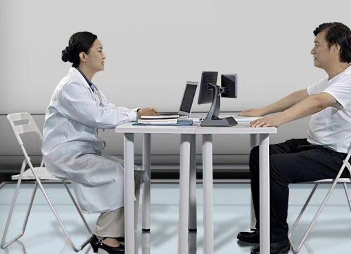 中国で急拡大のインターネット病院、自ら学習する「AI医師」も誕生